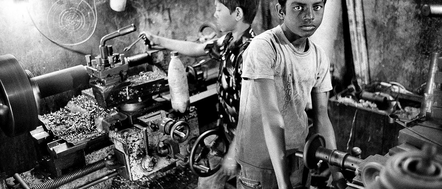 nike child labor Nike inc promises to root out underage workers and require overseas manufacturers of its wares to meet strict us health and safety standards nike's chairman and chief executive philip h knight also agrees to demand that company has long resisted, pledging to allow outsiders from labor and human rights groups to join.